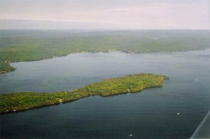 Vue aérienne du lac Nominingue.