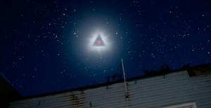Ovni triangulaire sur Montréal dans la nuit du 4 au 5 mai 2013